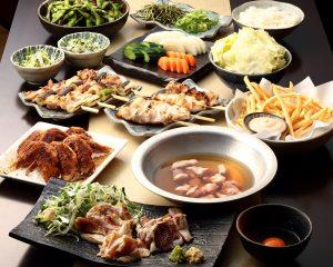 とりいちず酒場 中山南口店の鶏料理を満喫できる〈食べ放題×飲み放題コース〉